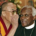 Sudáfrica impide al Dalai Lama asistir a Cumbre de Premios Nobel de la Paz