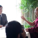 """El Dalai Lama llama """"realista"""" a la dirigencia china y se dice abierto a la reanudación de las conversaciones"""