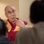 """""""La No Violencia Debe Ser La Única Alternativa Real Para Resolver Una Crisis,"""" el Dalai Lama"""
