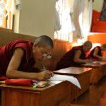Primer Grupo De Monjas Tibetanas Se Presenta A Los Exámenes Finales De Geshema