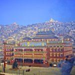Autoridades Chinas Planean Gran Reducción de la Población Monástica de Larung Gar