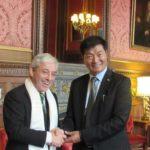 El Sikyong en Londres: en la Cámara de los Comunes y Entrevistado por la BBC
