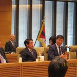 El Sikyong se dirige a los miembros del Parlamento japonés, en Tokio